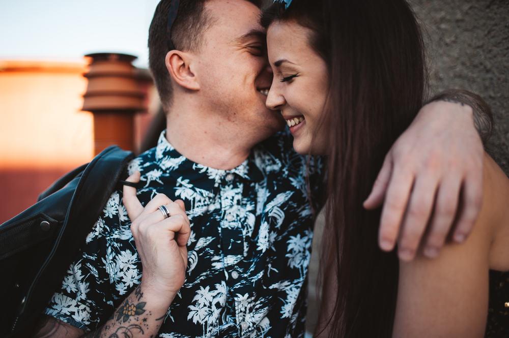 melanie-bultez-photographe-mariage-alternatif-rock-rooftop-wedding-couple-lyon-6